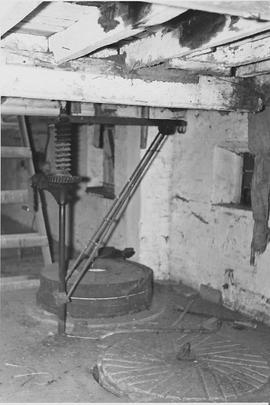 Stanbridge Mill, Horton, internal, stone floor