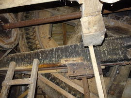 Brakewheel, sprattle beam and oat roller drive, New Mill, Cross in Hand