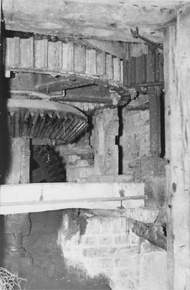 Woodbridge Mill, West Lavington, internal, wallower, spur wheel, stone nut