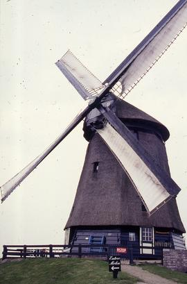 """Schermer Middle mill, in sail"""