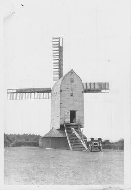 Blackboys Post Mill, Framfield, single roundhouse, four spring sails
