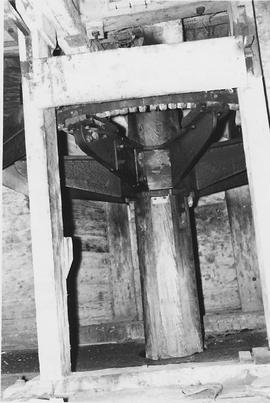 Stisted Mill, Stisted, internal, upright shaft and crown wheel