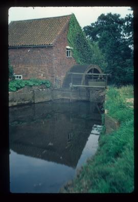 Stockwith Mill, Hagworthingham, with wheel