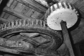 Great spur wheel and stone nut, White Mill, Sandwich