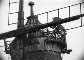 Close up of the cap, Wray Common Mill, Reigate