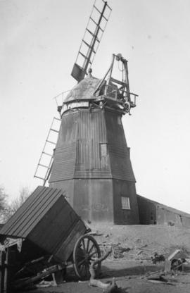 Smock mill, Balsham, in a poor condition