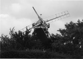 Wray Common Mill, Reigate, with damaged sails