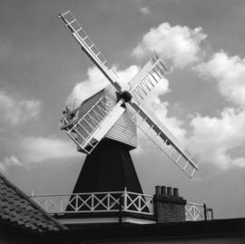 Post mill, Wimbledon Common, restored