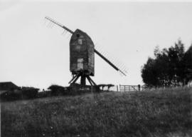Post mill, Rolvenden, derelict