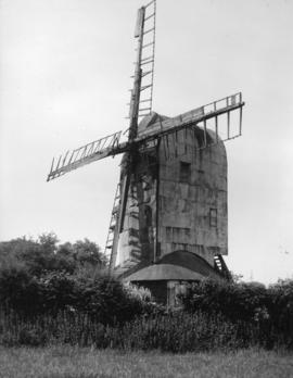 Post mill, Playden, in a poor condition