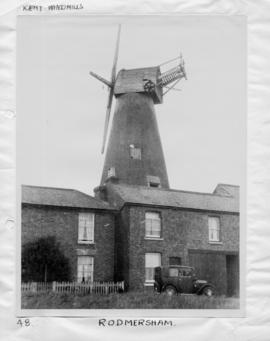 Tower mill, Rodmersham Green, with no sweeps or fantail
