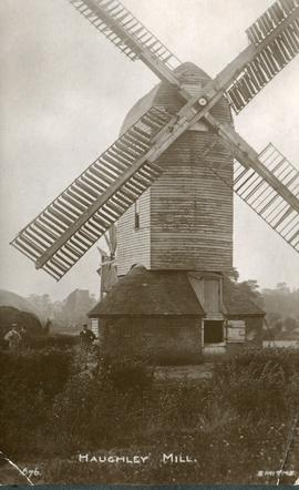 Post mill, Haughley, in full working order