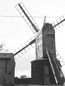 Post mill, Ramsey, derelict