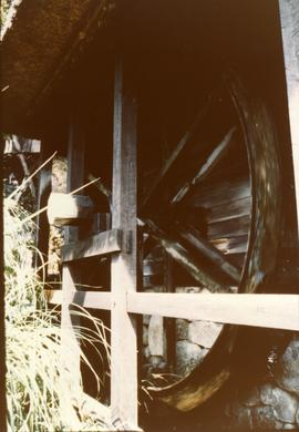 Photograph of a rice mill water wheel, Japan
