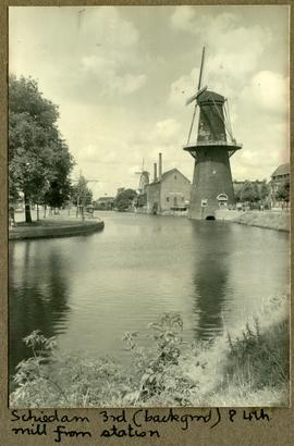 Schiedam 3 rd (background) and 4th mill from station