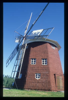 6 sailed smock mill