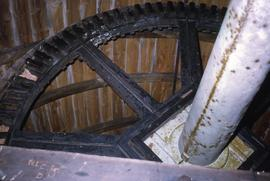 Brake wheel and cast windshaft