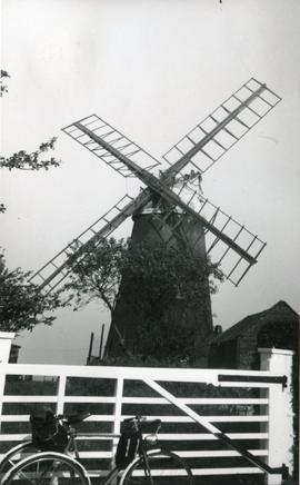 Foster's Mill, Swaffham Prior, and bicycle
