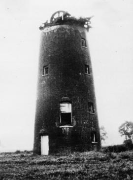 Derelict Tower with brakewheel, Chilton Street Mill, Clare