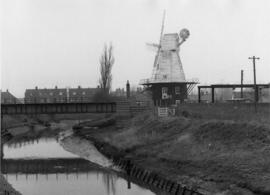 Smock mill, Rye, and local houses
