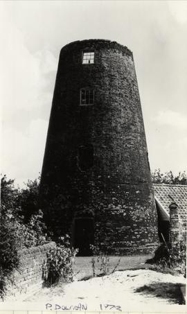 Tower mill, Blundeston, with no cap