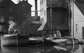 Barges being loaded, Coxe's Lock Mill, Addlestone