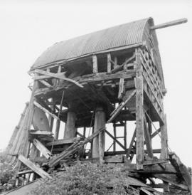 Derelict Buck, post mill, Chinnor