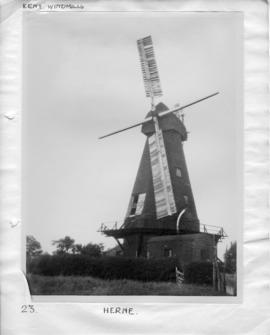 Smock mill, Herne, with two sweeps