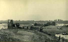 Ruins on saltings, Old Salt Mill, Old Fishbourne