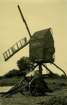 Post mill, Alconbury, with 2-wheel cart