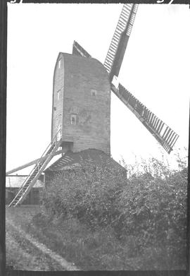 Post mill, Iden