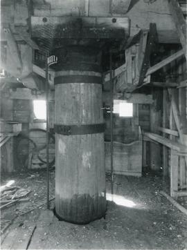 Interior post, Broxted mill