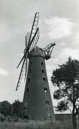 Brunswick Mill, Long Sutton, derelict
