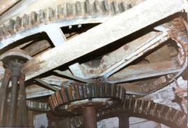 Spur wheel and wallower, Hall Mill, Hilborough
