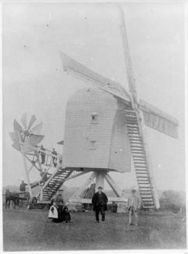 Post mill, Badwell Ash, with group