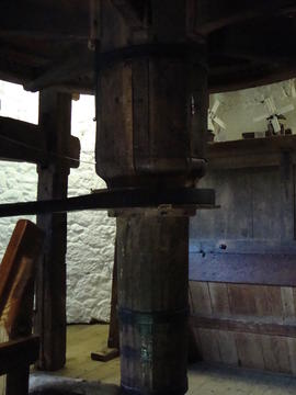 Upright shaft and belt drive to governor, Knowle Mill, Bembridge