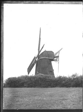 Jolesfield Mill, Partridge Green, derelict with four sails