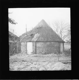 Roundhouse, Hollow-post mill, Mitcham Common