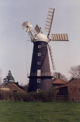 Hoyle's 5 Sailed Mill Exterior 6
