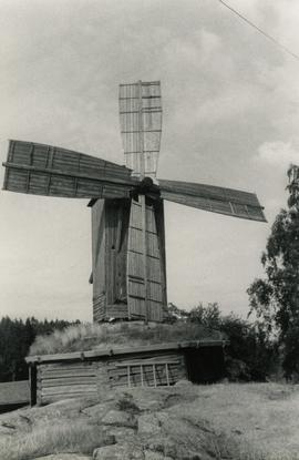 Sails and front of Vikelä Farm magpie mill in Ylöjaäivi, Taivalpohja, Häme