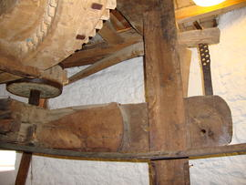Great spur wheel, stone nut and tentering gear, Knowle Mill, Bembridge