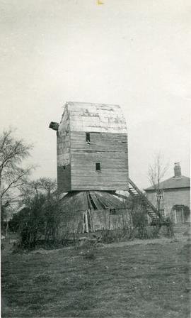 Post mill, Little Canfield