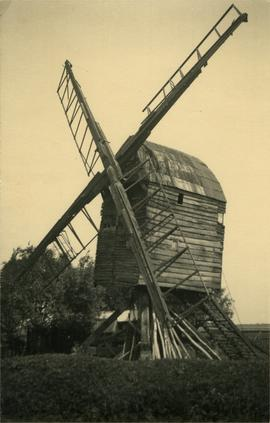 Post mill, Old Weston, derelict