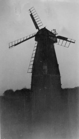 Ringle Crouch Green Mill, Sandhurst, with only four sweeps