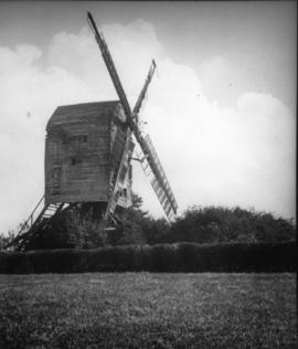 Post mill, Ashurst, in a disused condition