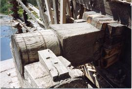 Shaft end and bottom bearing of one wheel, Waterwheel, Hama