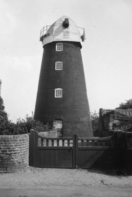 Tower mill, Blundeston, with sails removed