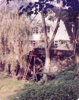 View showing waterwheel, Upper Crisbrook Mill, Maidstone