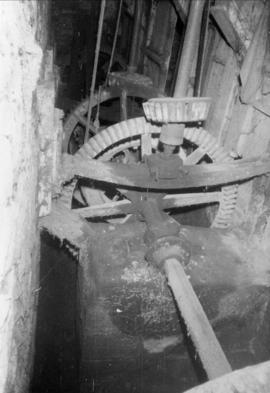 Interior showing line shaft and gears, Demesnes Mill, Barnard Castle