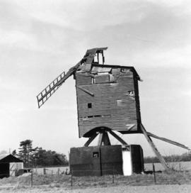 Post mill, Lowfield Heath, in ruinous condition